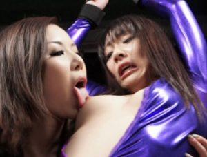 「お願い許して下さい・・・」ドSな女拷問官のくすぐりレズ拷問に平謝りする女コソドロが完全に玩具にされてしまってますww